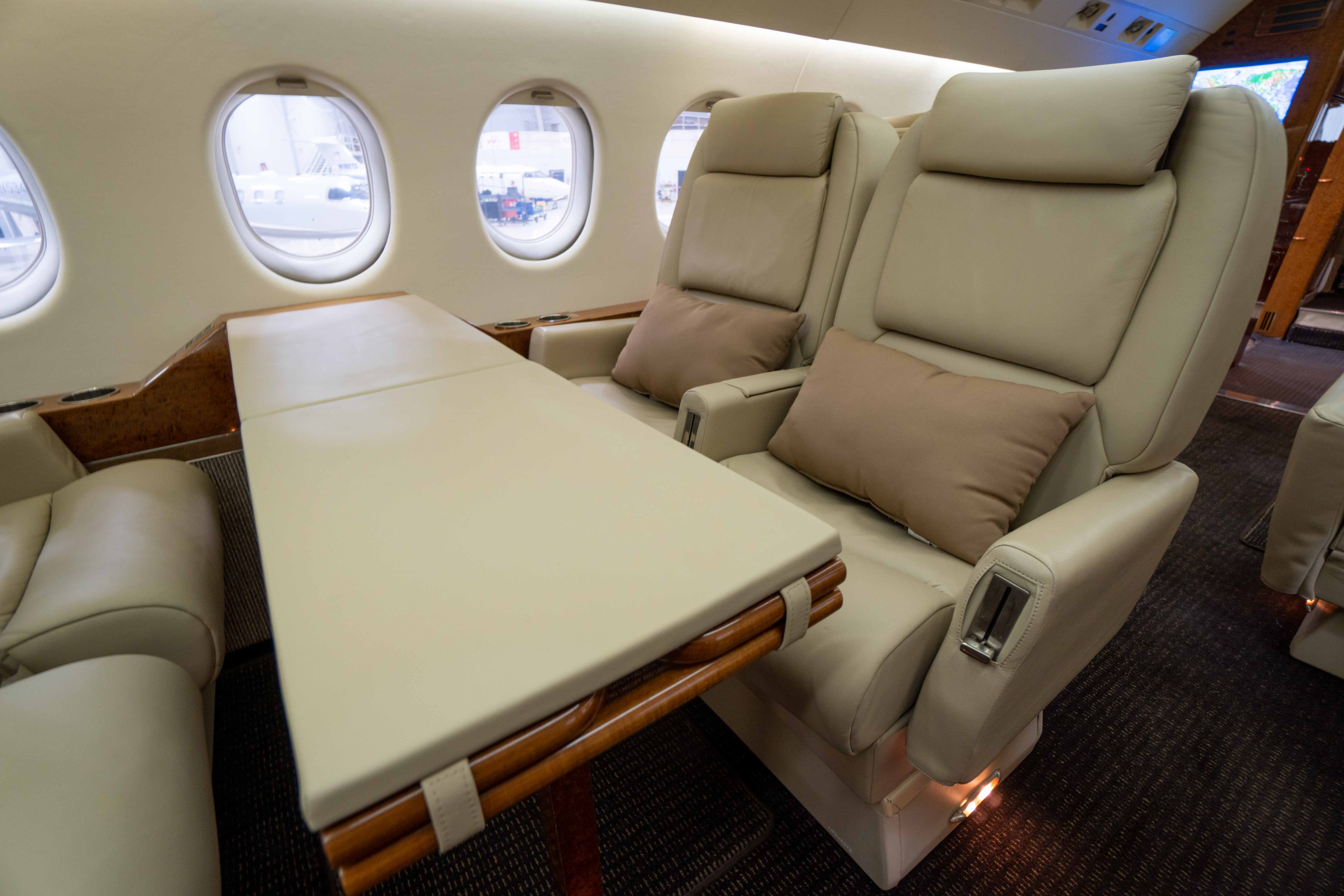 Falcon 900 table