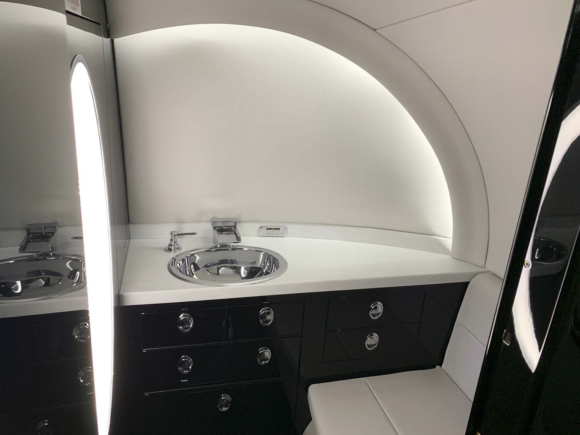 Hawker 850XP sink