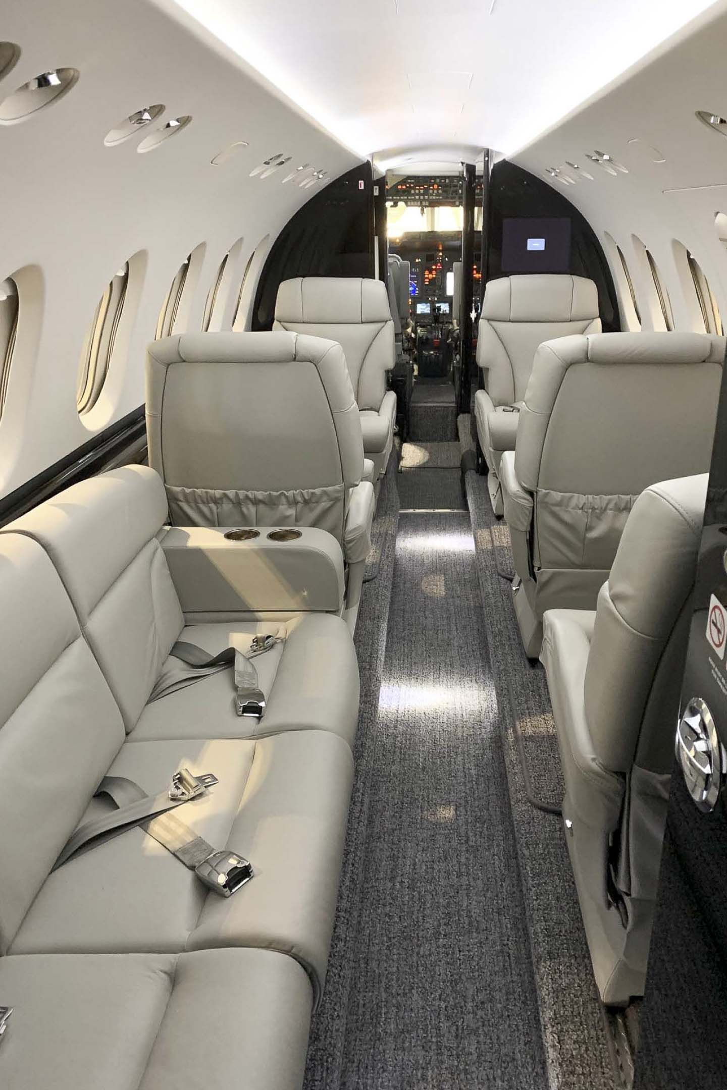 Hawker 850XP couch